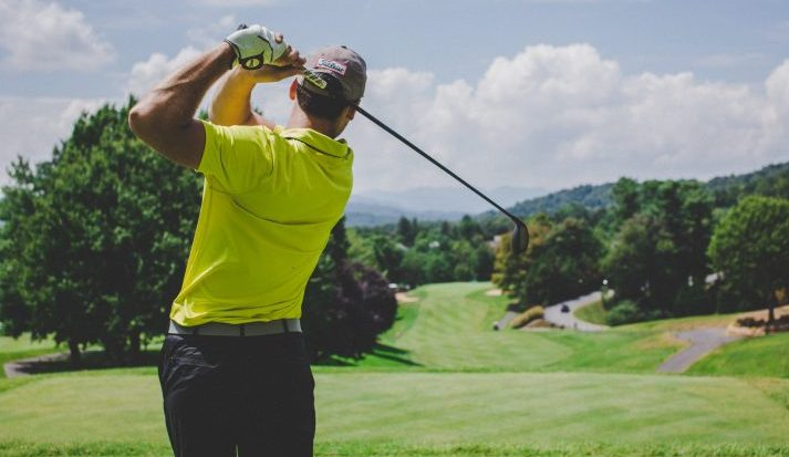 How to Swing a Golf Club for Beginners - Step by Step Detailed GUIDE