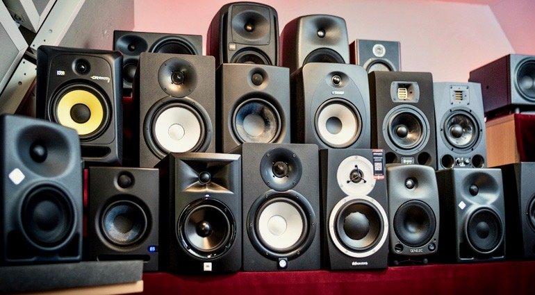 Best Studio Monitors Under $1000 | Buying Guide 🥇