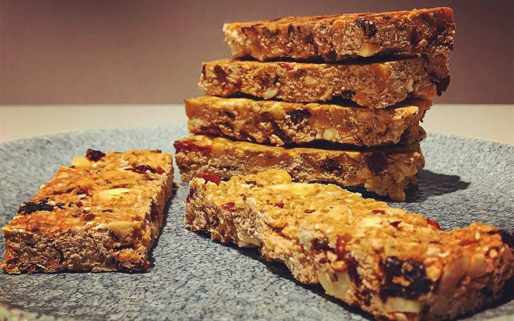 Best Protein Bars for Weight Loss and Muscle Gain Review
