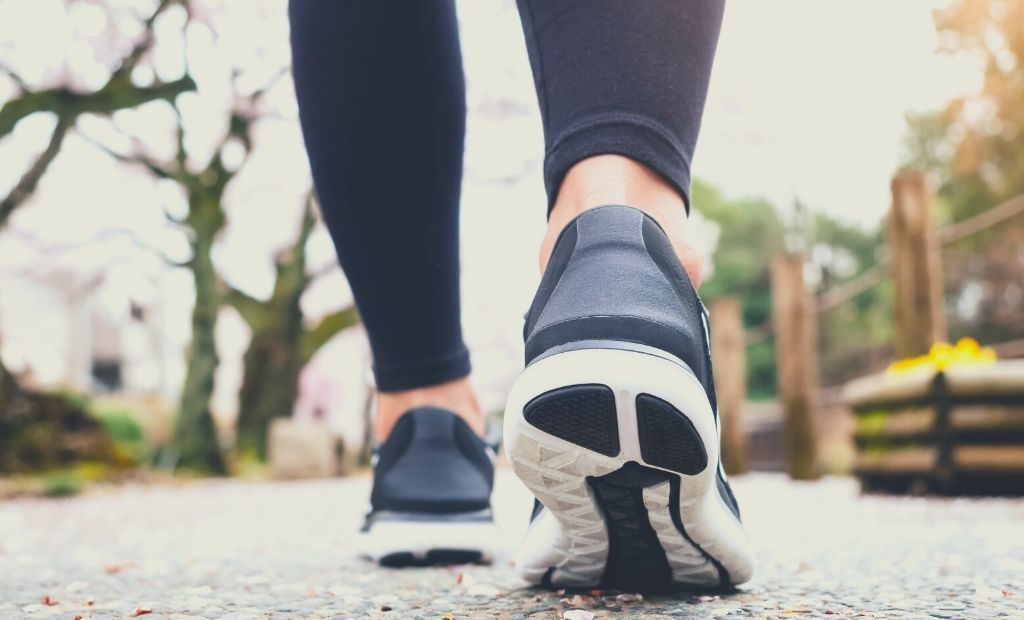 Best Walking Shoes for Women With High Arches Review