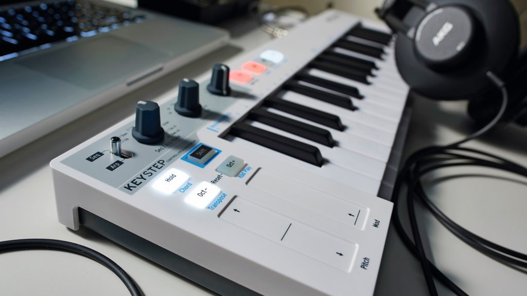 Best Semi Weighted Midi Keyboard Review